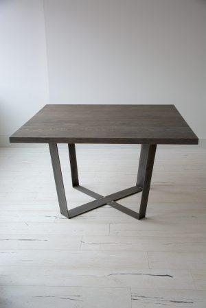 Vierkante Eettafel 150x150 Cm.Modern Eettafel Van Eiken Gecombineerd Met Staal